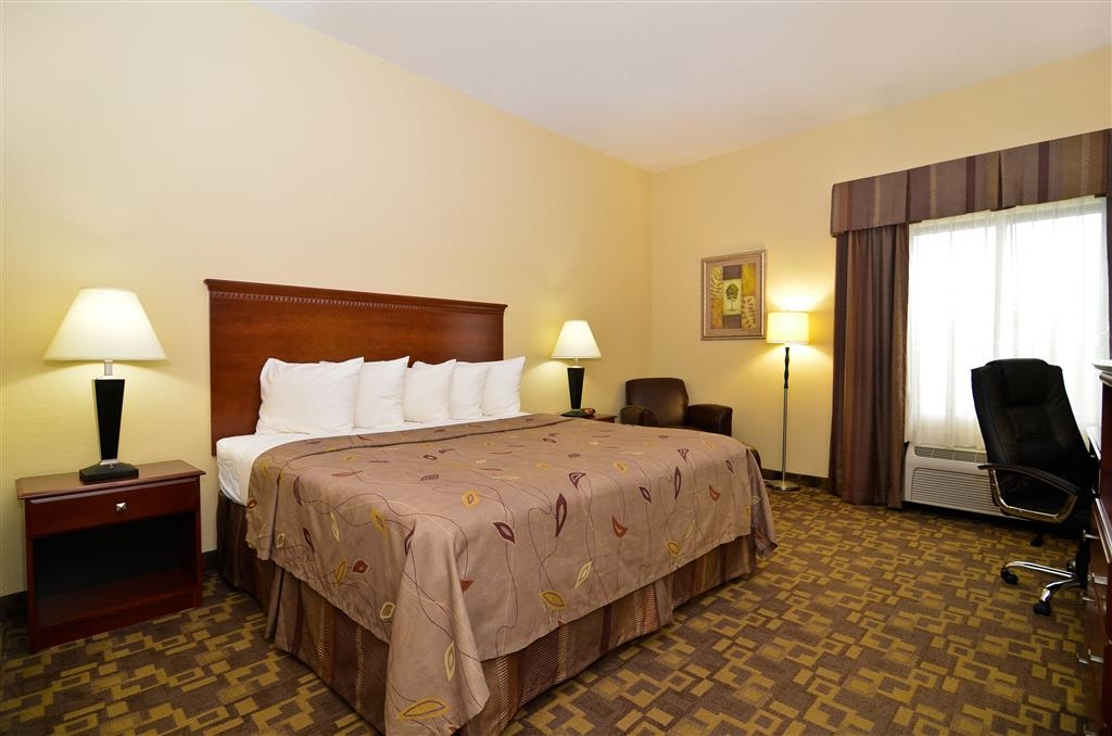 Best Western Opp Inn - Relax after a long day of travel in our King Suite.