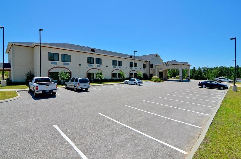 Best Western Opp Inn - Be treated like family the moment you step into this Opp, Alabama hotel.