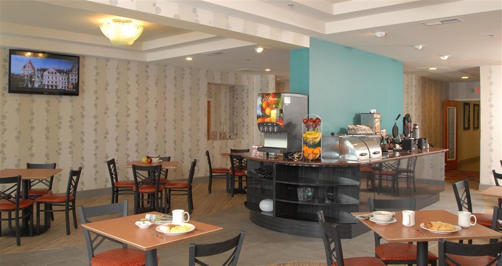 Best Western Plus Atlanta Airport-East - Breakfast Bar