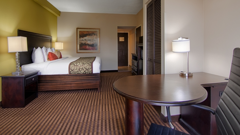 Best Western Plus Atlanta Airport-East - Our guest in town on business will enjoy the spacious desk/work area available in select rooms.