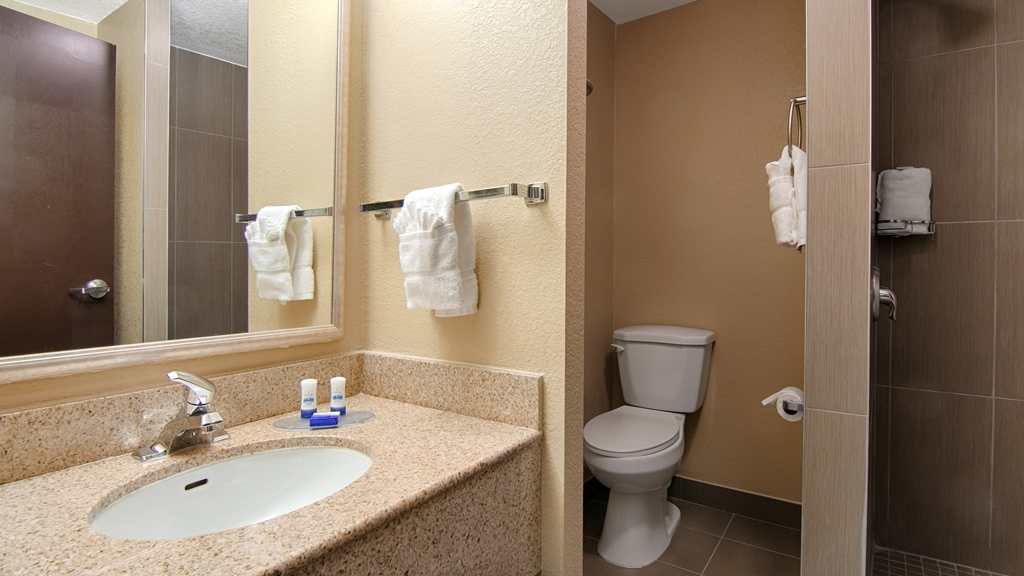 Best Western Plus Atlanta Airport-East - Forgot Shampoo? Don't worry we have you covered, complimentary shampoo, conditioner and lotion are provided.