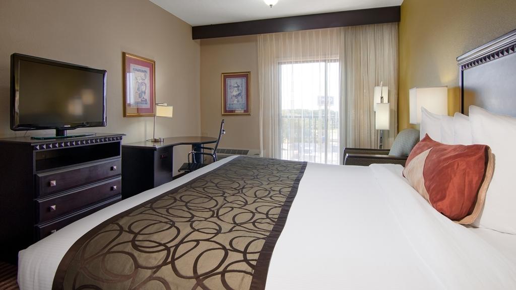 Best Western Plus Atlanta Airport-East - King Bed Guest Room