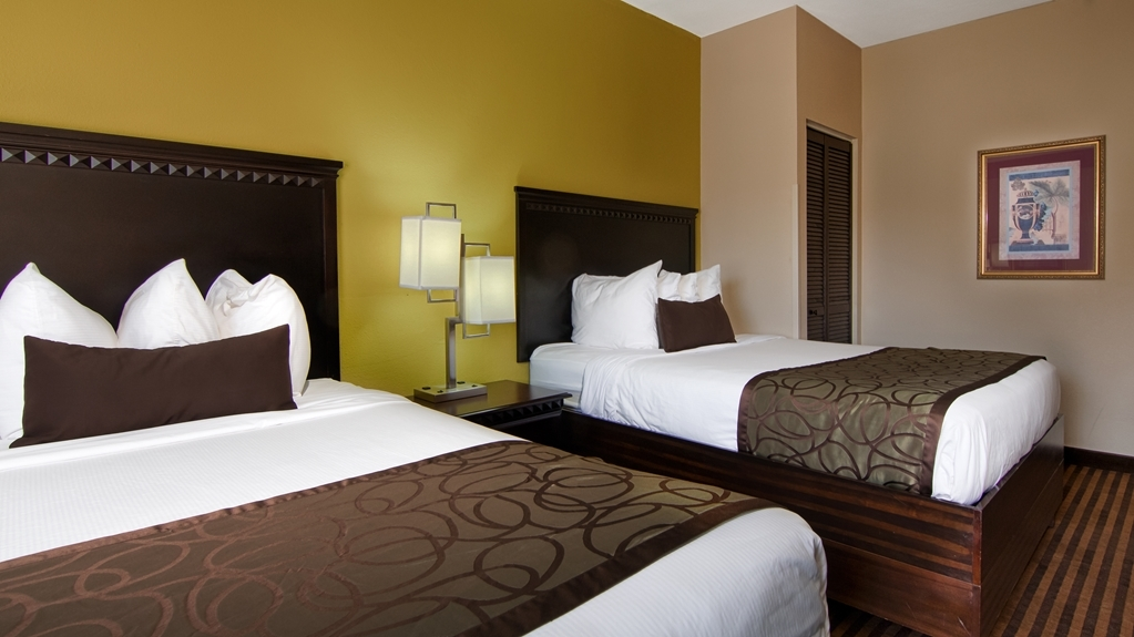 Best Western Plus Atlanta Airport-East - Our two queen bed guest rooms have enough space for the whole family.