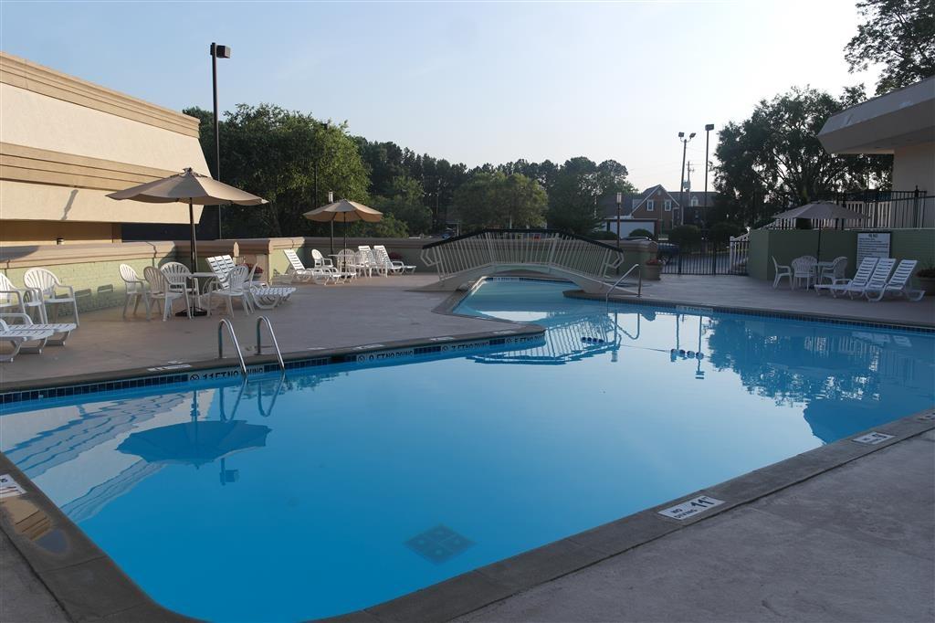 Best Western Southlake Inn - Vista de la piscina