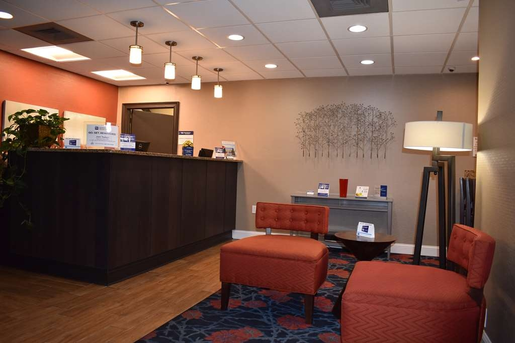 Best Western Southlake Inn - Experience professional and genuine customer service from our attentive 24-hour front desk staff.