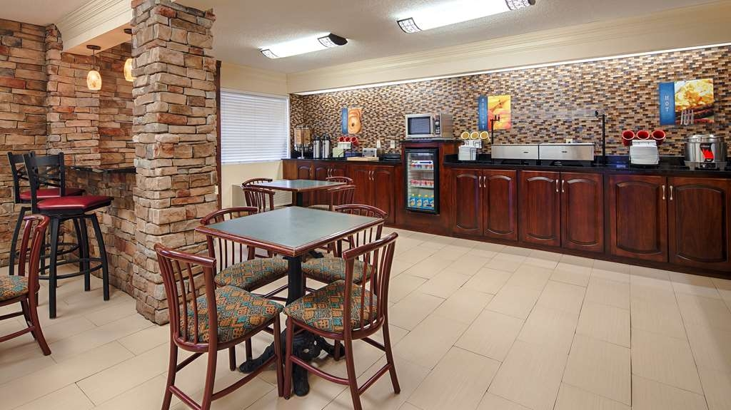 Best Western Inn & Suites of Macon - Breakfast Area
