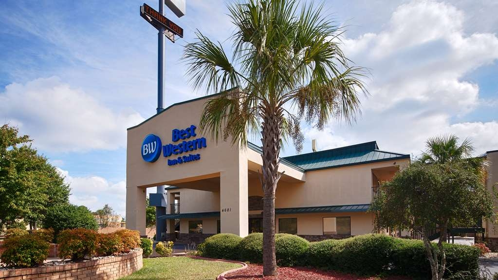 Best Western Inn & Suites of Macon - No matter the time of year, you'll love the Best Western Inn & Suites of Macon.