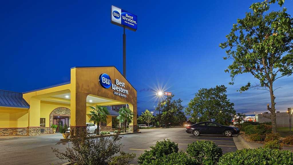 Best Western Inn & Suites - Façade