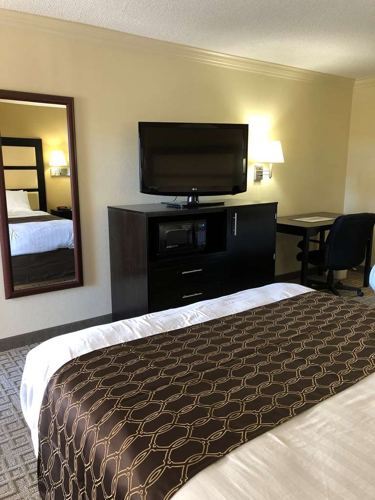 Best Western Inn & Suites - Guest room