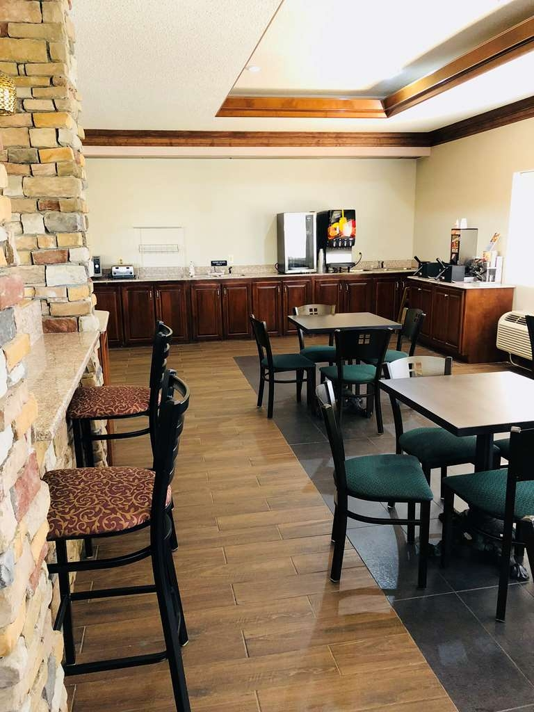 Best Western Inn & Suites - Breakfast Area