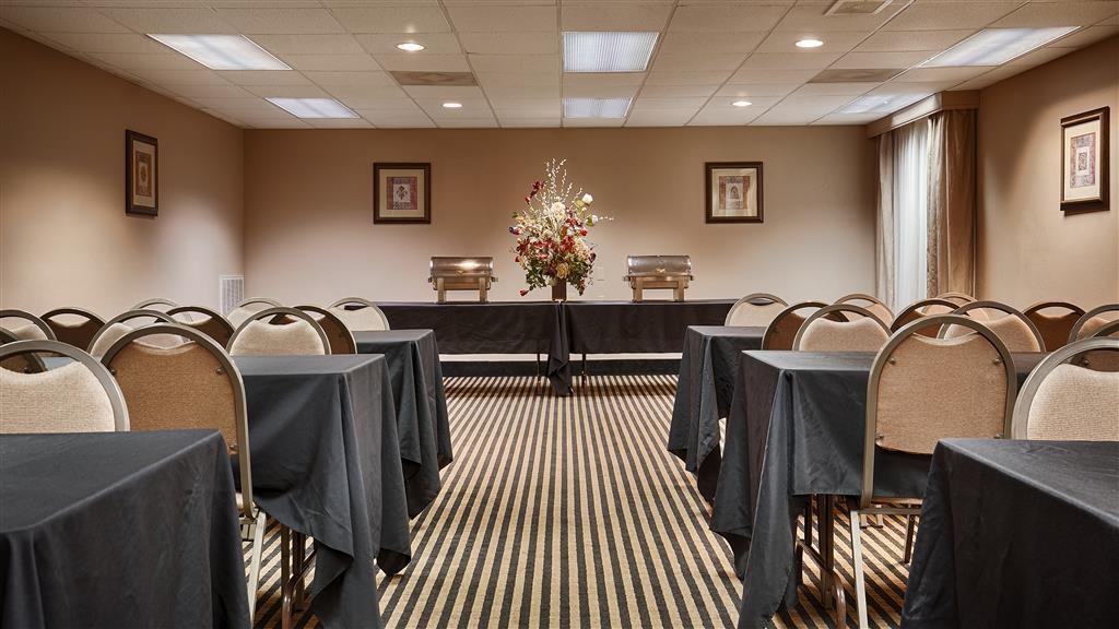 Best Western Plus Russellville Hotel & Suites - Nuestras salas de reuniones le ofrecen el entorno idóneo para celebrar eventos corporativos. Póngase en contacto con nuestro personal para realizar su reserva hoy mismo.