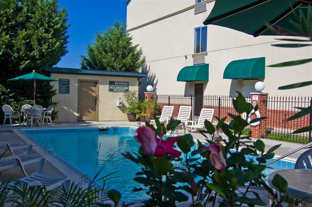 Best Western Plus Russellville Hotel & Suites - Piscina