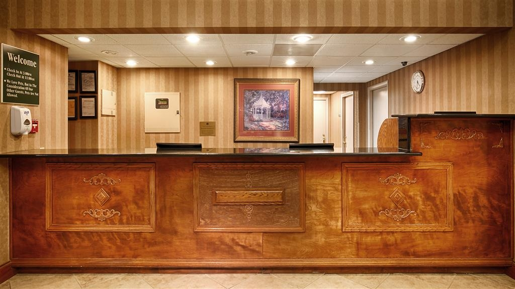 Best Western Plus Russellville Hotel & Suites - Our 24-hour front desk will go above and beyond to provide you unmatched customer care from check-in to check-out.