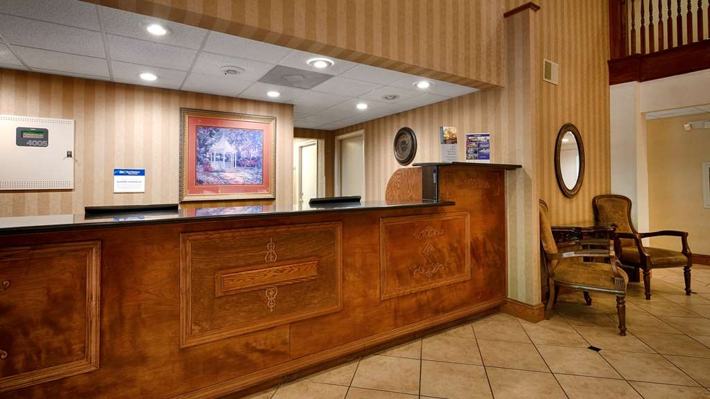 Best Western Plus Russellville Hotel & Suites - Hall