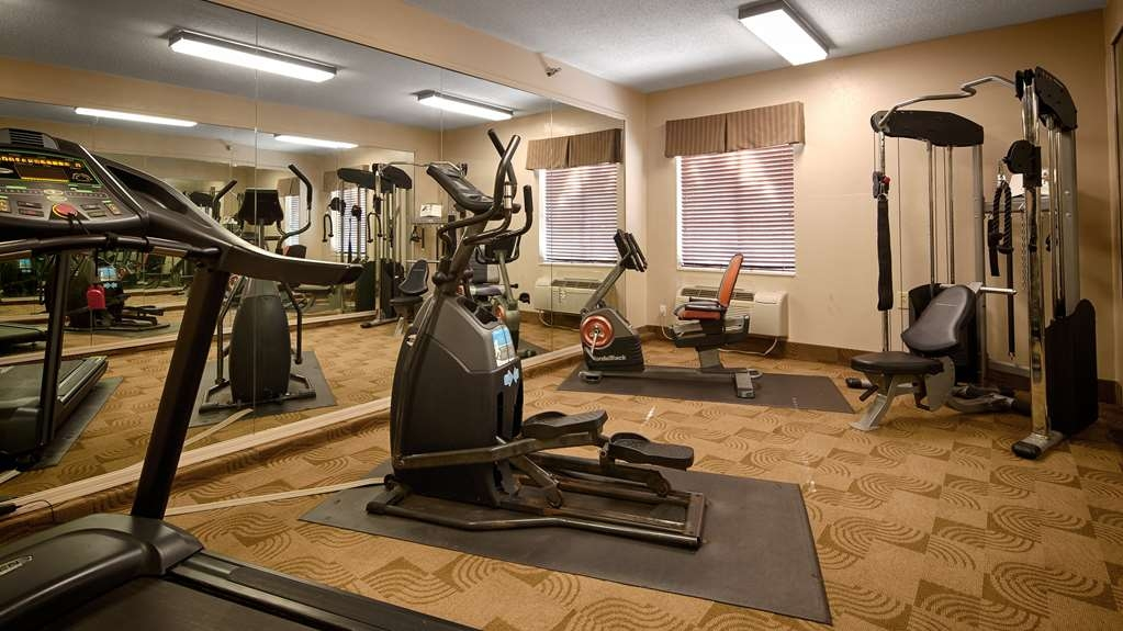 Best Western Plus Russellville Hotel & Suites - Catch an episode of your favorite show while working off those pesky calories.