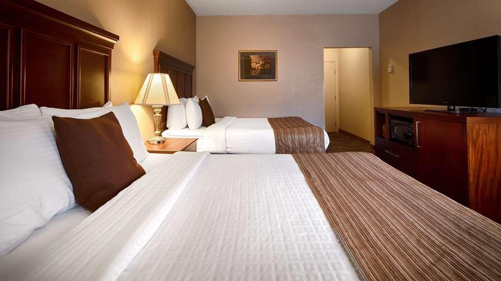 Best Western Plus Russellville Hotel & Suites - Two Queen Guest Room