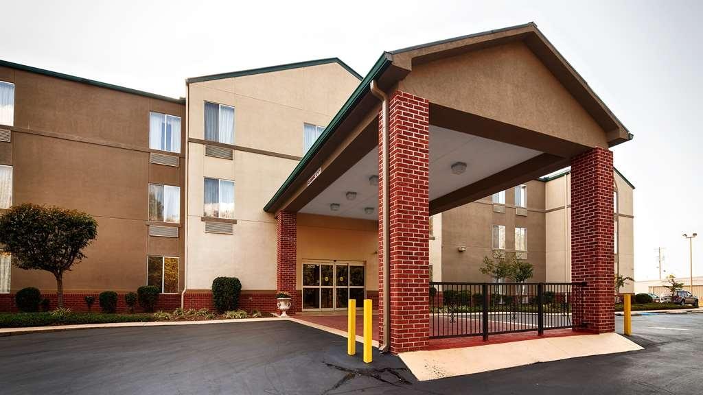 Best Western Plus Russellville Hotel & Suites - Exterior
