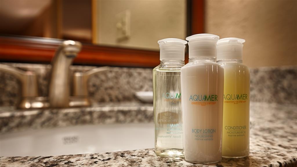 Best Western Colonial Inn - Guest Bathroom Amenities