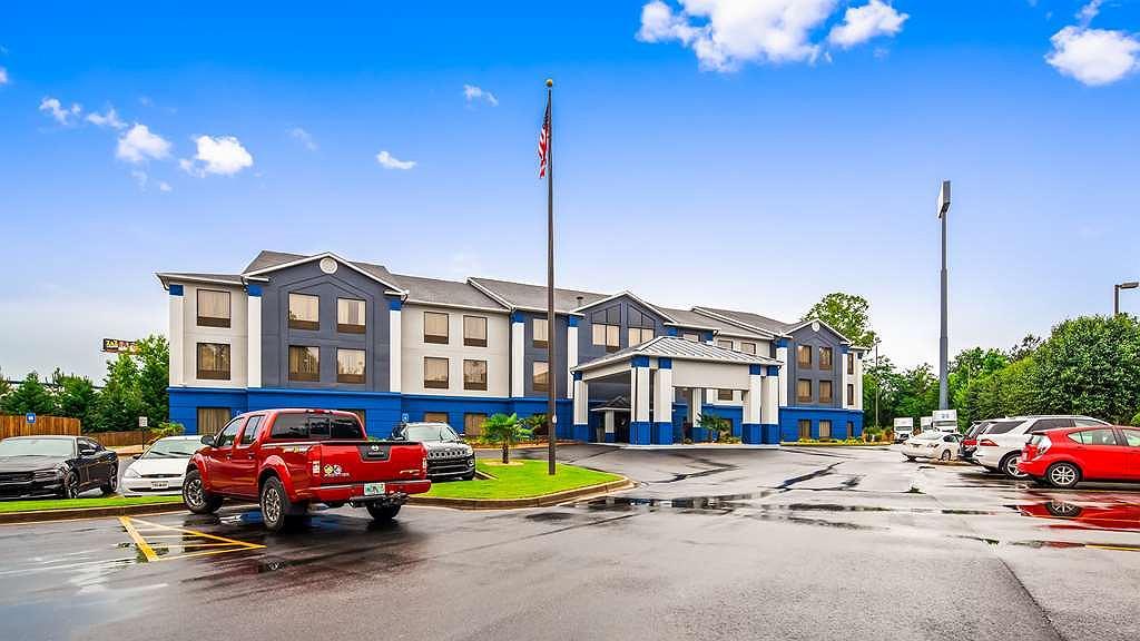 Best Western Plus McDonough Inn & Suites - Area esterna