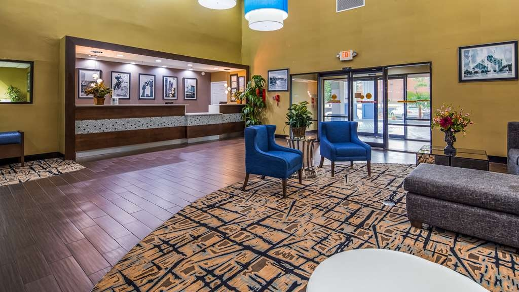 Best Western Plus McDonough Inn & Suites - Vue du lobby