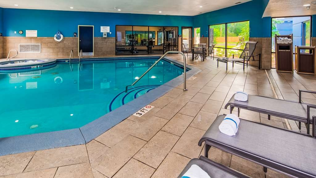 Best Western Plus McDonough Inn & Suites - Vue de la piscine