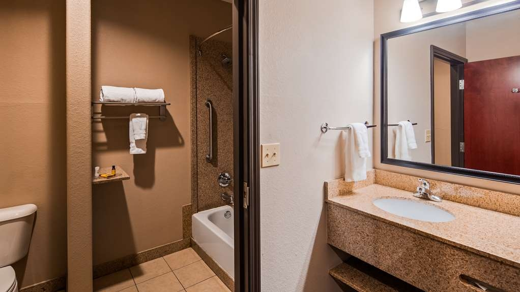 Best Western Plus Circle Inn - Guest room