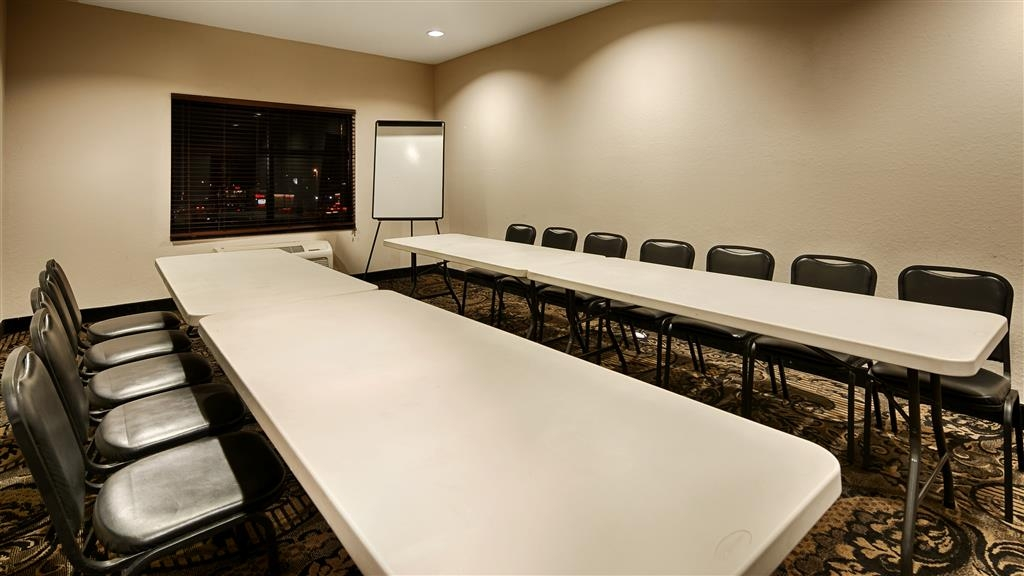 Best Western Plus Circle Inn - Need to schedule a meeting for business? We have space available for you and your clients.