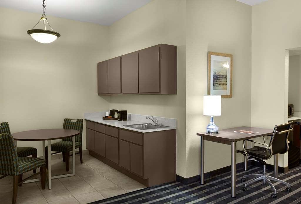 Best Western Plus Hotel & Suites Airport South - Suite