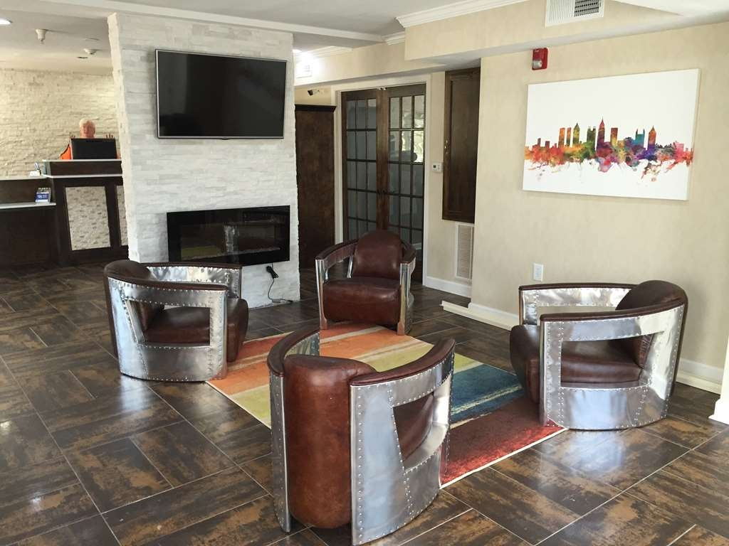 Best Western Allatoona Inn & Suites - Sit and relax in our lounge area, read newspaper, drink coffee or just mingle with friends and family.