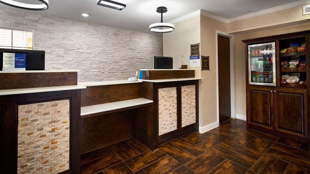 Best Western Allatoona Inn & Suites - Our newly renovated lobby is roomier than before. A warm welcome awaits you at the Best Western® Allatoona Inn & Suites.