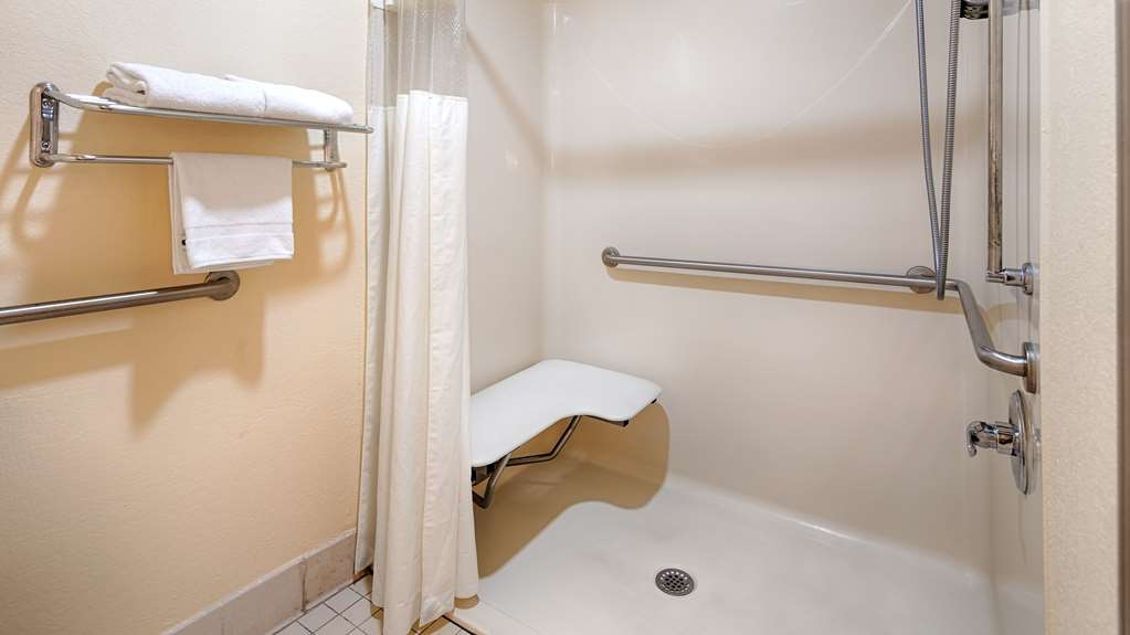 Best Western Allatoona Inn & Suites - Baño