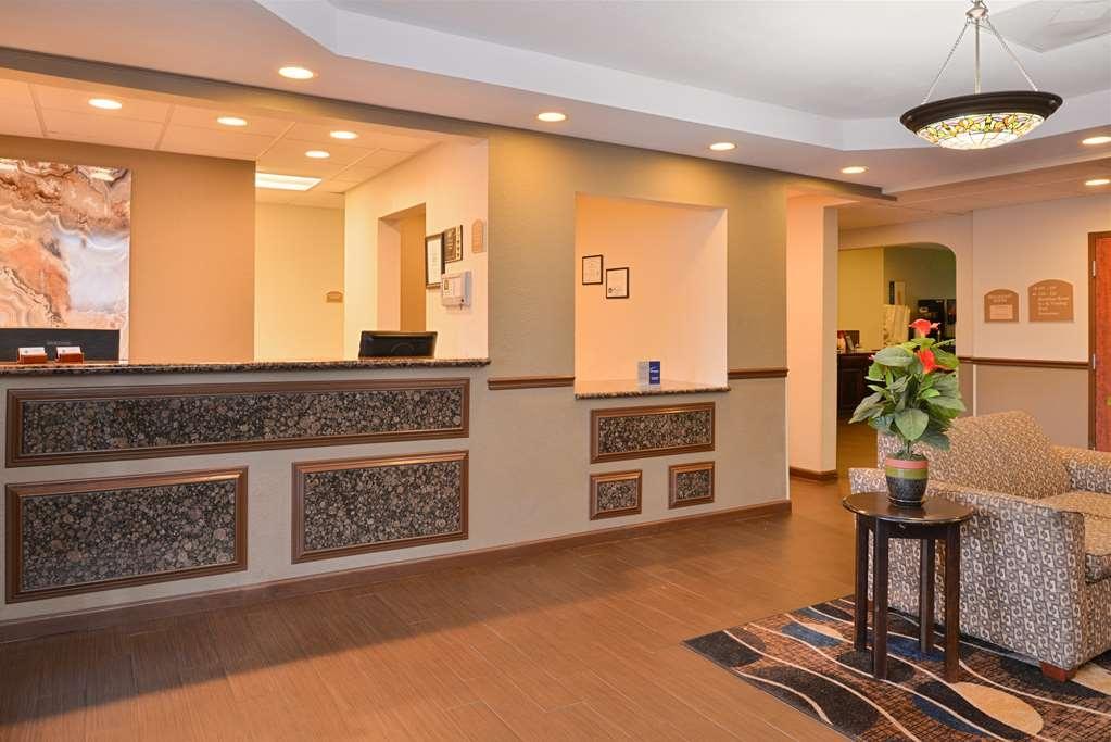 Best Western Troy Inn - Vista del vestíbulo