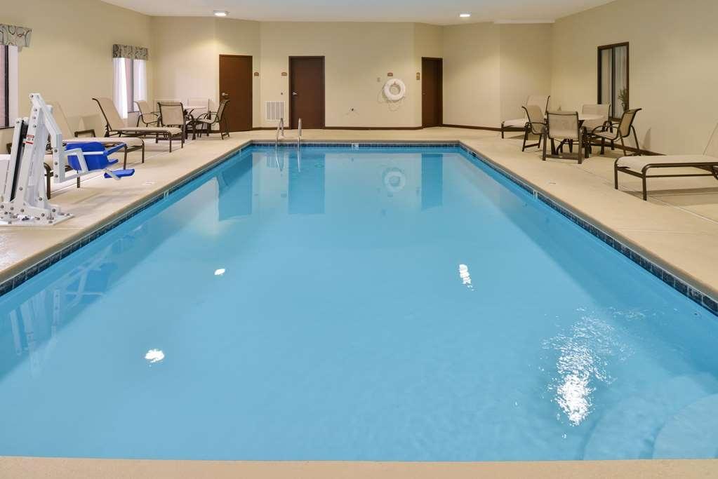 Best Western Troy Inn - Vista de la piscina