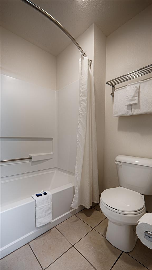 Best Western Mountain View Inn - Cuarto de baño de clientes