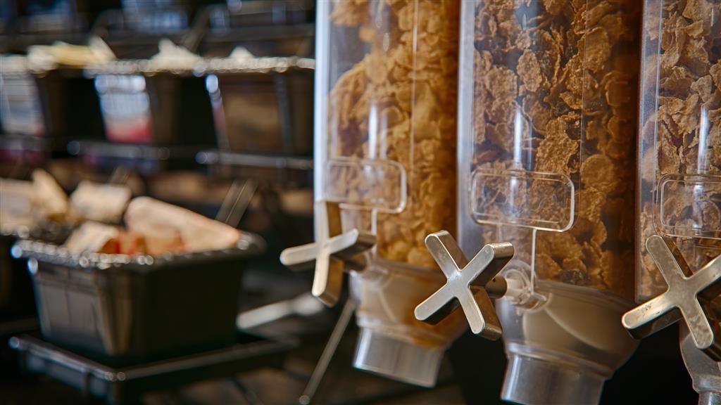 Best Western Ashburn Inn - Anche se sei di fretta, non perderti il pasto più importante della giornata.