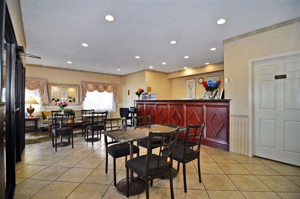 Best Western Ashburn Inn - Zona de desayunos