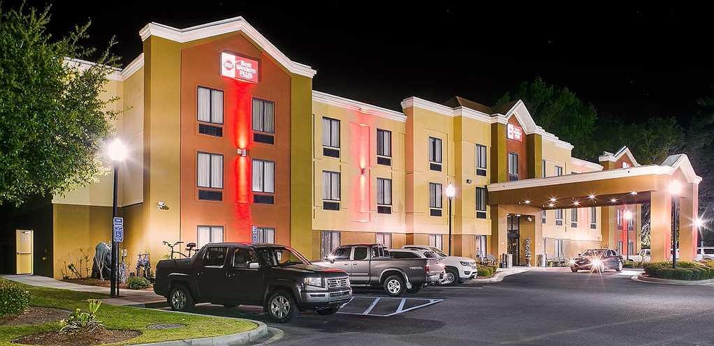 Best Western Plus Richmond Hill Inn - Façade