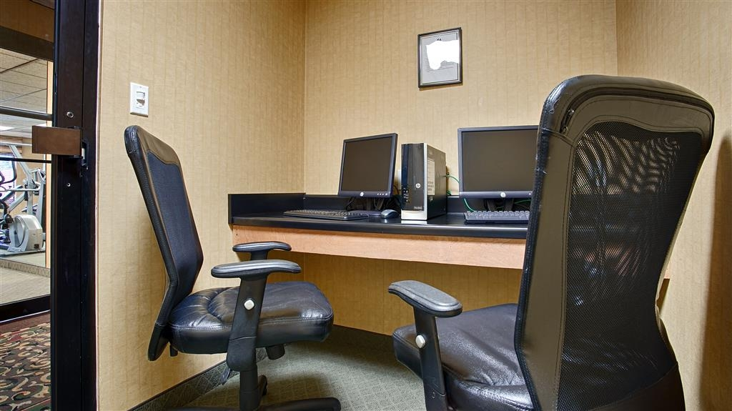 Best Western Plus Richmond Hill Inn - Never miss a beat while on the road with complimentary free high-speed Internet in our business center.