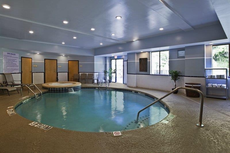 Best Western Plus Richmond Hill Inn - Instalaciones De Ocio