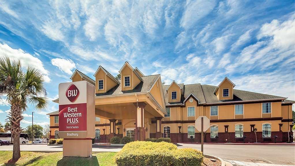 Best Western Plus Bradbury Inn & Suites - Hotel Front