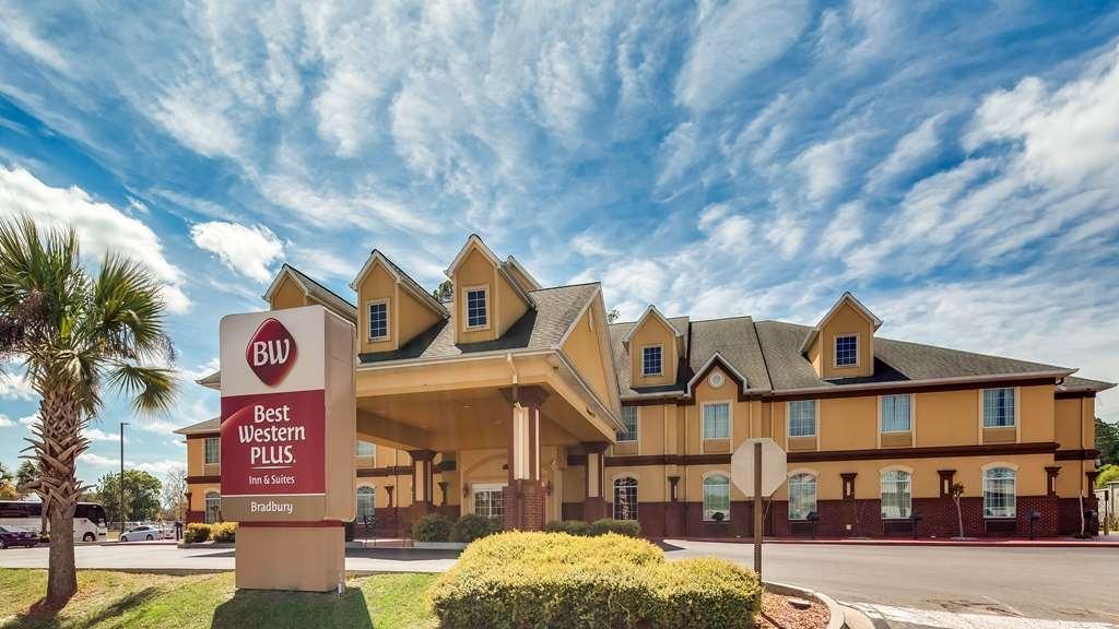 Best Western Plus Bradbury Inn & Suites - Außenansicht