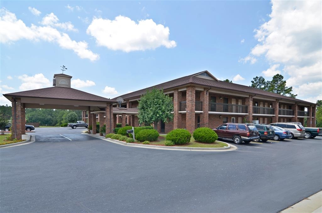 Best Western Bradford Inn - Make the BEST WESTERN Bradford Inn your next home away from home while exploring Swainsboro Raceway.