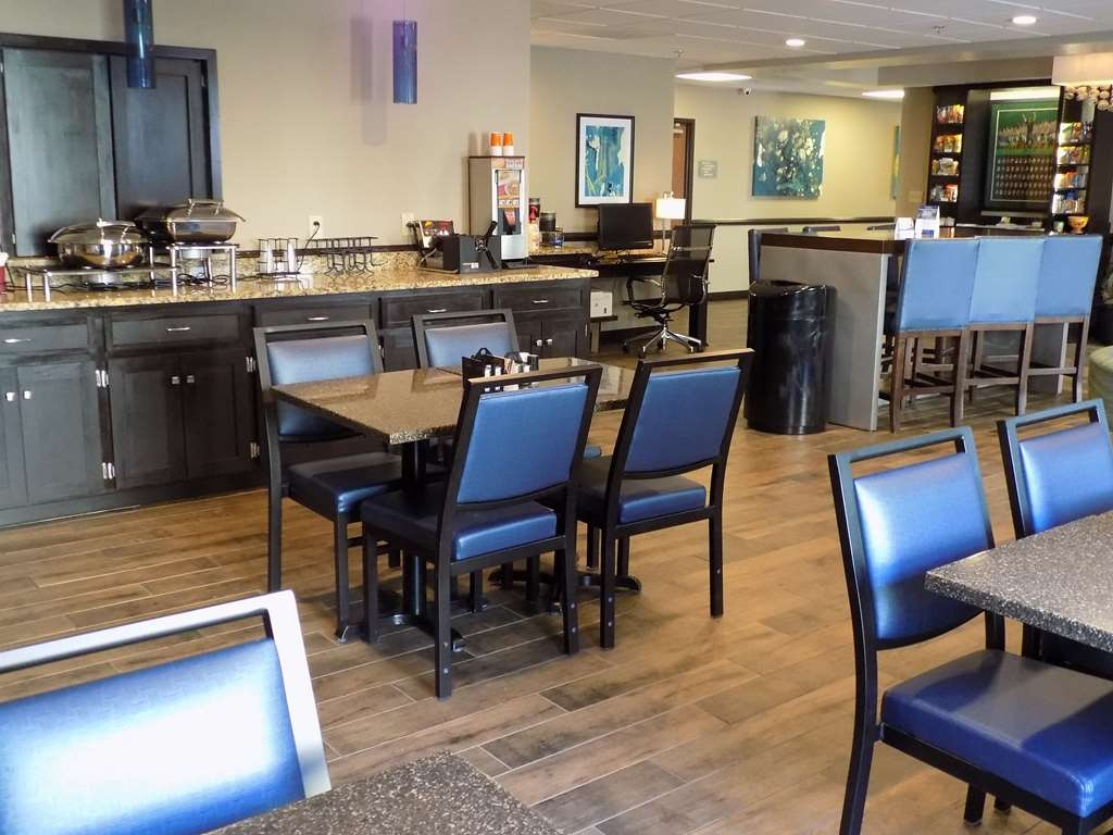 Best Western Augusta West - Help your self to breakfast and enjoy.