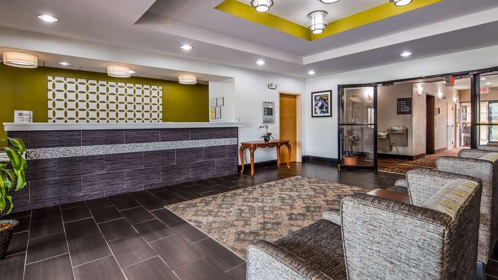 Best Western Commerce Inn - Lobby