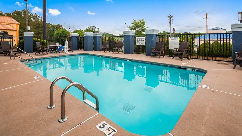 Best Western Commerce Inn - Vista de la piscina
