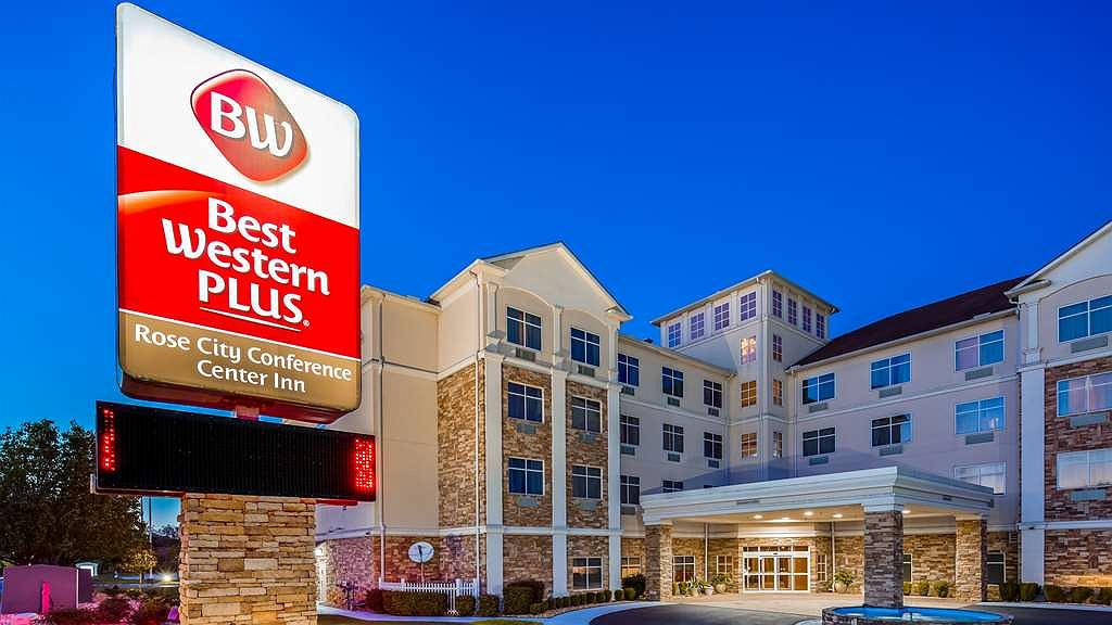 Best Western Plus Rose City Conference Center Inn - Exterior Night