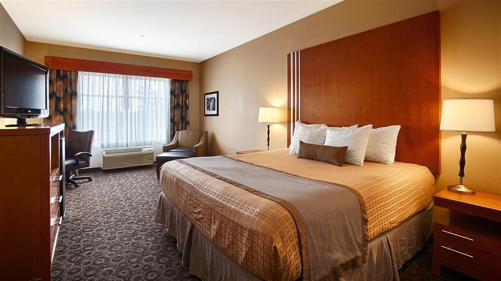 Best Western Plus Rose City Conference Center Inn - Camera standard con letto king size