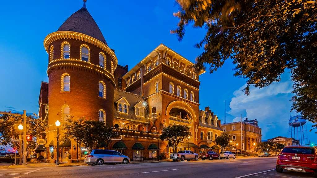 Best Western Plus Windsor Hotel - Thereu2019s no better way to experience southwest Georgia than staying at this historic landmark, Best Western Plus Windsor Hotel.