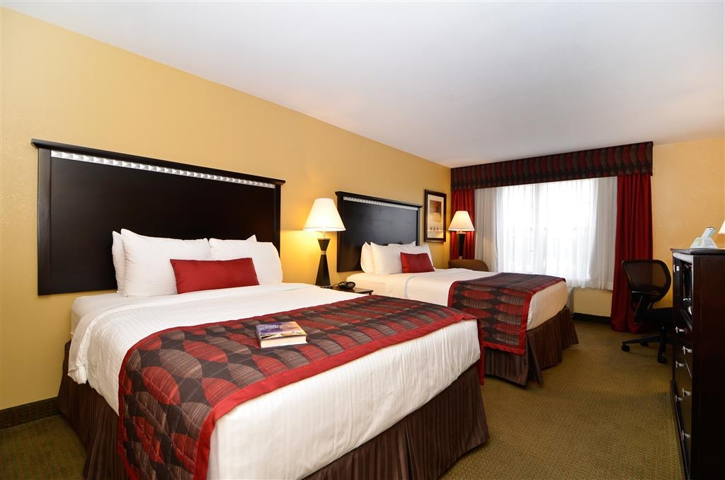 Best Western Plus Bessemer Hotel & Suites - Two Queen Beds - Our two queen bed room comes fully equipped with a microwave, mini-refrigerator, and 39-inch flat screen TV.