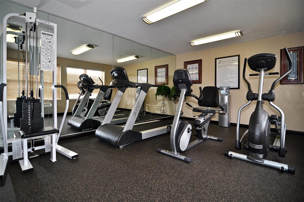 Best Western Plus Bessemer Hotel & Suites - Maintain your home exercise routine in our on-site fitness center.